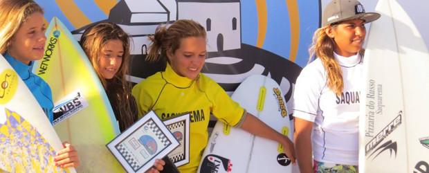 Pódio com Kayane Reis em 1º (roupa branca) e Carol Bonelli em 2º (roupa preta)  (DIvulgação)