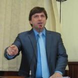 O vereador Bruno Pinheiro anunciou na tribuna da Câmara sua decisão de apoiar o governo Franciane Motta e o deputado Paulo Melo