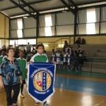 A Escola Municipal Elcira de Oliveira Coutinho durante a cerimônia de abertura na quadra da FAETEC (SECOM PMS)