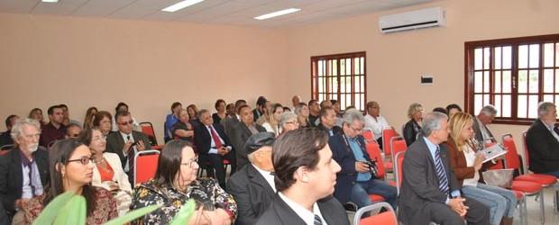 O novo auditório esteve repleto na inauguração e recebeu o nome de Dr. Humberto Glória