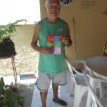 O autor se expressa através de poesias e desenhos em seu livro (Dulce Tupy)