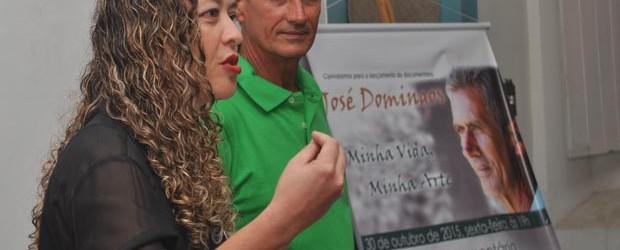 A documentarista Michele Maria e o artesão José Domingos (Agnelo Quintela)