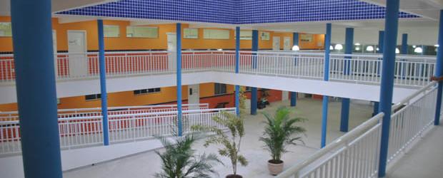 O novo Centro Municipal de Educação Padre Manuel tem instalações adequadas, confortáveis e convidativas à comunidades escolar, incluindo áreas para a prática esportiva e auditório confortável (Fotos: Agnelo Quintela)